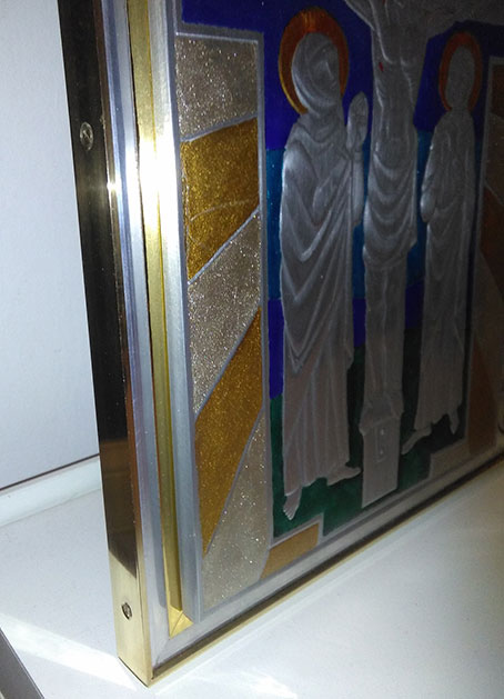 Mirasole - particolare del profilo di ottone montato sul pannello