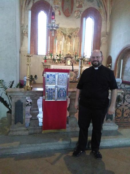 Mirasole - don Stefano Croci con l'Ambone